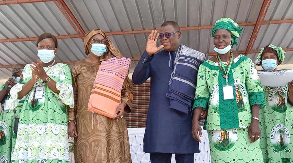 """Ziguinchor : Les femmes catholiques """"décorent"""" Abdoulaye Baldé"""