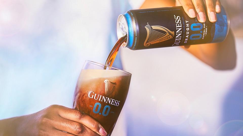 Guinness met du sorgho camerounais dans sa bière