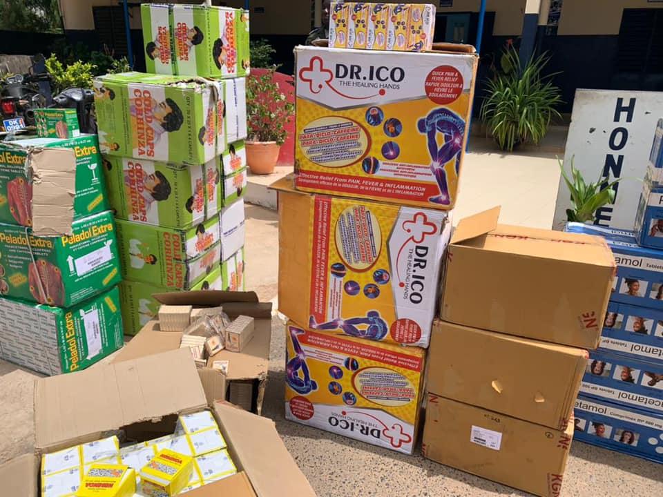 "Dakar : Des cartons de médicaments saisis dans un ""car Rapide """