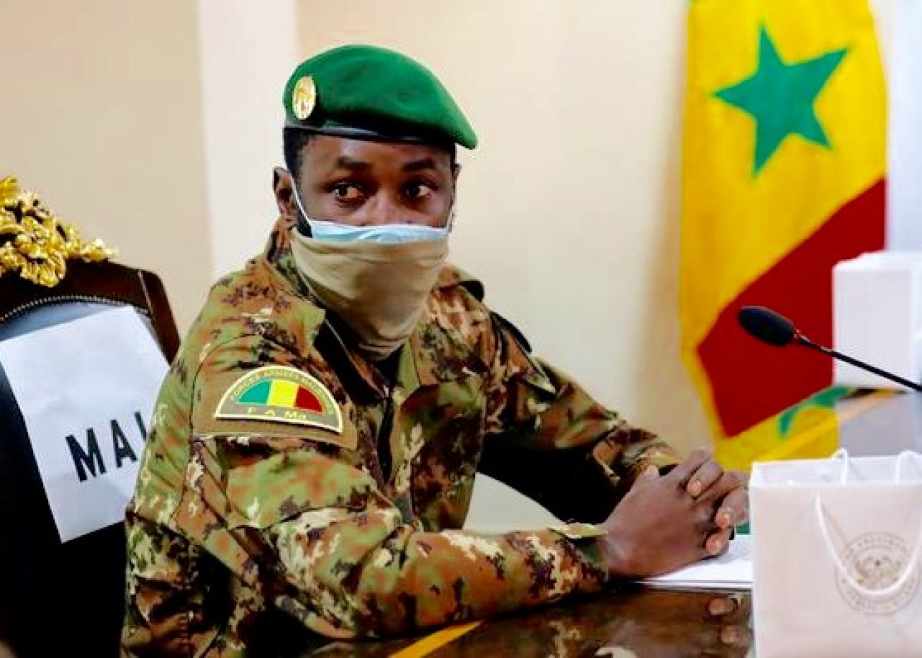 """Mali: """"tentative d'assassinat"""" du président durant la prière de Tabaski"""