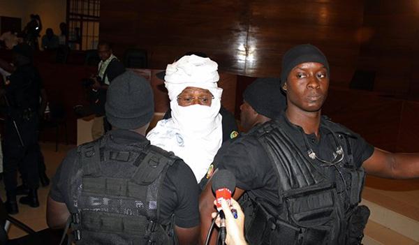 """L'association des Victimes réplique : """"Oui à la vaccination, non à la sortie de prison de Hissein Habré, condamné pour crimes contre l'humanité"""""""