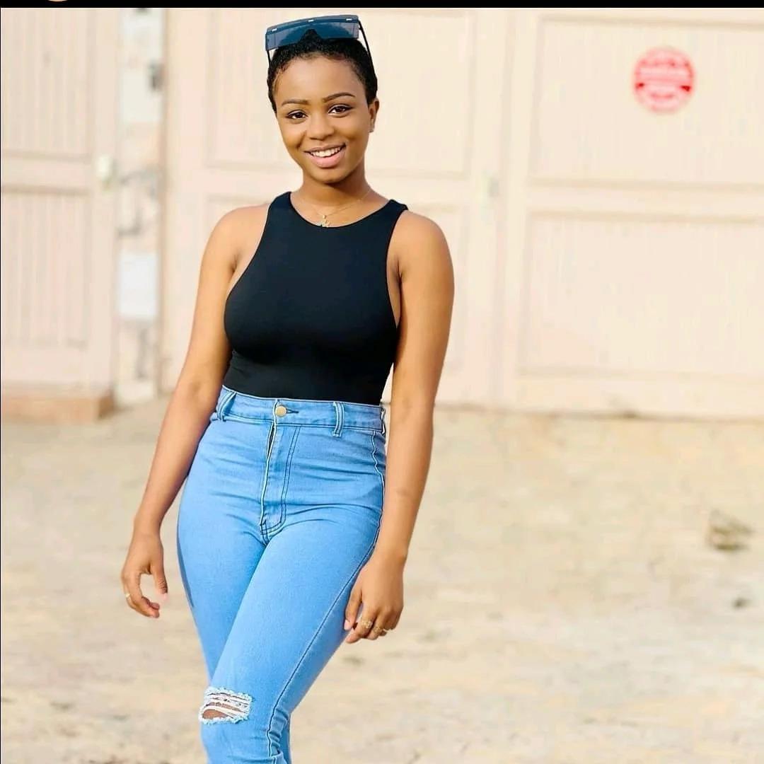 La ravissante chanteuse Dieyna Baldé, l'ex de Diop ISEG, montre tout !!!