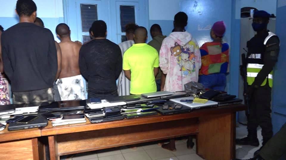 CYBERCRIMINALITÉ : 32 Nigérians arrêtés à Grand Mbao