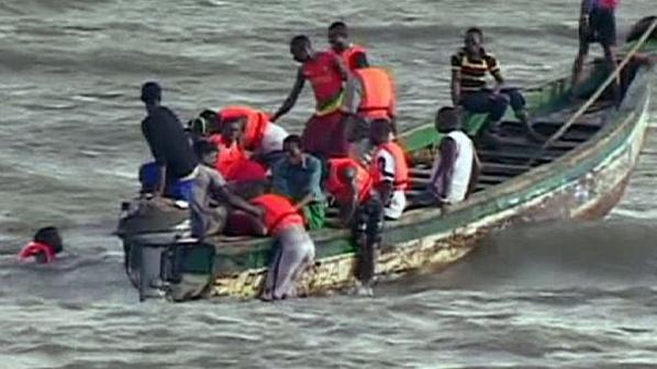 Chavirement d'une pirogue : 16 corps sans vie repêchés dans les eaux!