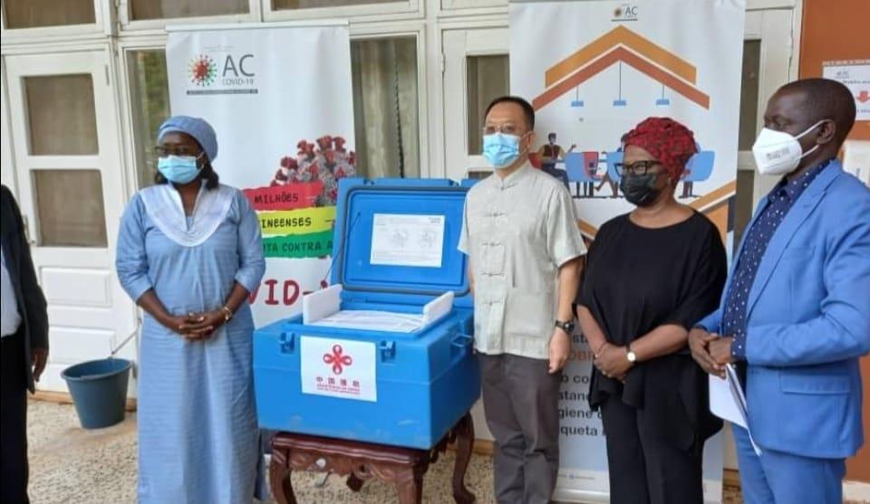 Covid -19 : La Guinée Bissau reçoit plus de 100 mille doses du vaccin Sinopharm