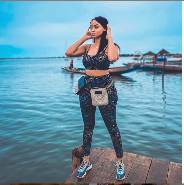 Miss Touré, passe ses vacances aux îles Saloum