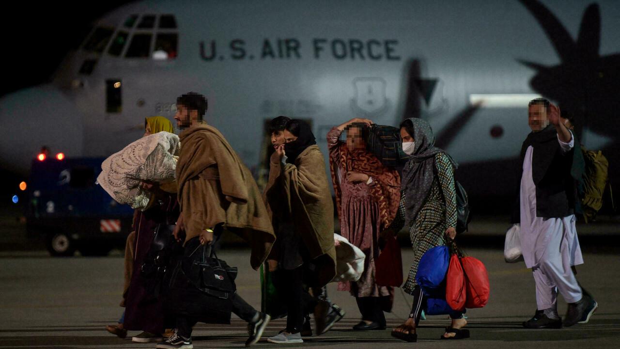 Les Balkans accueillent des centaines d'Afghans pendant que Washington étudie leurs demandes d'asile