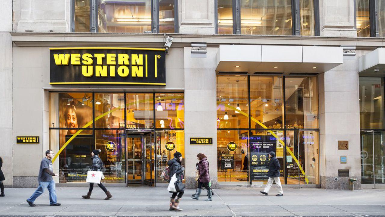 """Afghanistan: Le géant des transferts de fonds """"Western Union"""" reprend ses activités"""