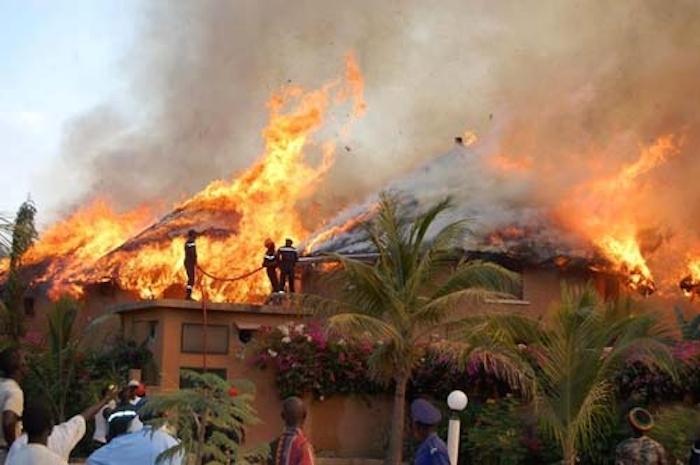 """Incendie à la résidence """"La Palmeraie"""" de Saly : trois morts !"""