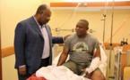 Ali Bongo très ému rend visite aux policiers et militaires bléssés