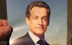 """""""Pour la France, j'y vais quand même"""": un mystérieux tract annonce le retour Nicolas Sarkozy"""