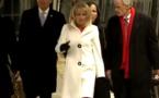 Regardez. L'ancien vice-Président Joe Biden et son épouse, prennent un train pour rentrer...