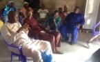 Le président Benoît Sambou  dans son village de Mandouane avec ses parents