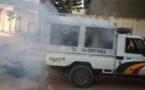 Vidéo: Les policiers tirent par erreur sur leur propre véhicule