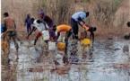 Tataguine: Un camion-citerne se renverse, les populations se servent (Photos)