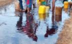 Tataguine : Un camion-citerne se renverse, les populations se servent (Photos)