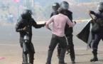 Gambie: Manifestation pour le départ du président Adama Barrow, réprimée