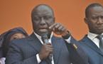 Seul contre tous: Idrissa Seck  attaque,cogne et s'impose carrément