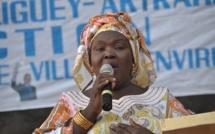 Fatou Faye, présidente des femmes du MLK: « Prions que Macky Sall goûte la prison un jour...» Regardez
