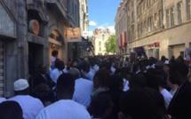 Plusieurs Sénégalais, ont pris d'assaut le consul du Sénégal à Paris: le petit frère du ministre de l'intérieur a pris la fuite