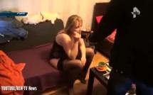 Un homme découvre que sa femme est une prostituée lors d'une arrestation à la TV