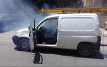 Vidéo: un véhicule de la Sonatel endommagé par la Police