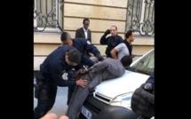 Vidéo: Un responsable de l'APR arrêté à Paris avec un pistolet