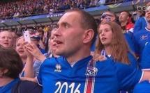Le Président Islandais refuse la tribune officielle pour s'asseoir dans les gradins avec ses concitoyens