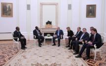 Macky et son seul accompagnant reçus par Poutine