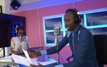 Khalifa Diakhaté présente le journal sur i Radio (90.3)