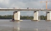 Un ouvrier tombe du pont de Faraféni et meurt sur le coup