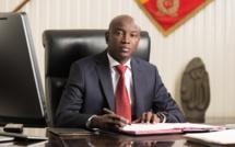 Aly Ngouille Ndiaye sort une liste de 100 personnes à confisquer leurs passeports diplomatique