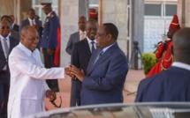 """Révélation sur le silence de Macky Sall: """"Il doit sa réélection de 2019 à Alpha Condé"""" (Journaliste)"""