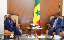 Le chanteur Ouza Diallo reçu à la présidence de la république