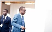 Média: Brassards rouges chez Youssou Ndour