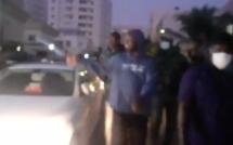 Regardez la promenade Ousmane Sonko avant de se rendre chez son ...