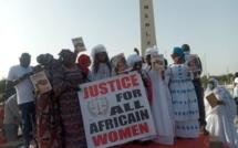 Qui sont ces femmes qui soutiennent Adji Sarr ?