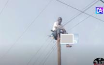 Insolite à Linguère : Un militant de l'APR monte sur un poteau