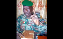 Coup d'Etat en Guinée : Regardez la réaction surprenante de ce colonel sur le départ de Condé