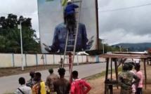 Guinée : Le CNRD enlève progressivement les affiches d'Alpha Condé