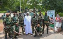 "Gambie: Macky Sall ""dope"" les militaires sénégalais"